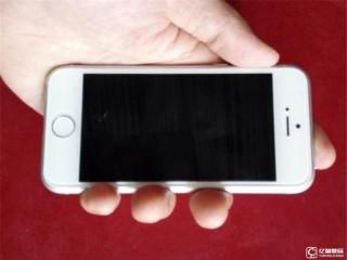 网爆iPhone 6c真机照竟是网友改装的iPhone5s